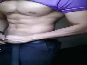 Trai thẳng tập Gym thử đồ
