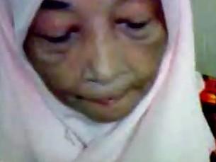 Malaysian Granny Blowjob