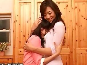 Japanese Lesbians kiss - Maki Hojo