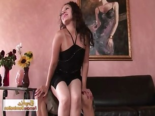 Dirty Lady Has A Thing For Cock Sucking