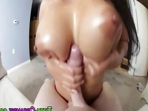 Asian babe tit fucking
